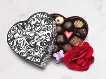 14 piece Black and white Embossed Box